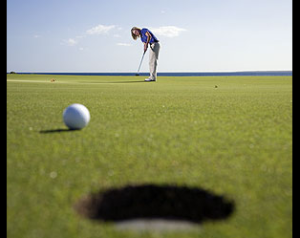 [object object] Preparing to Play a Round of Golf long putt 300x238